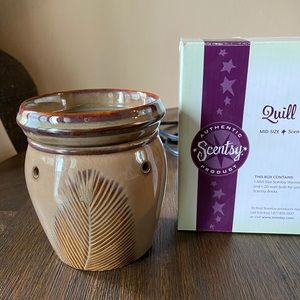 Scentsy Mid-size warmer   Quill